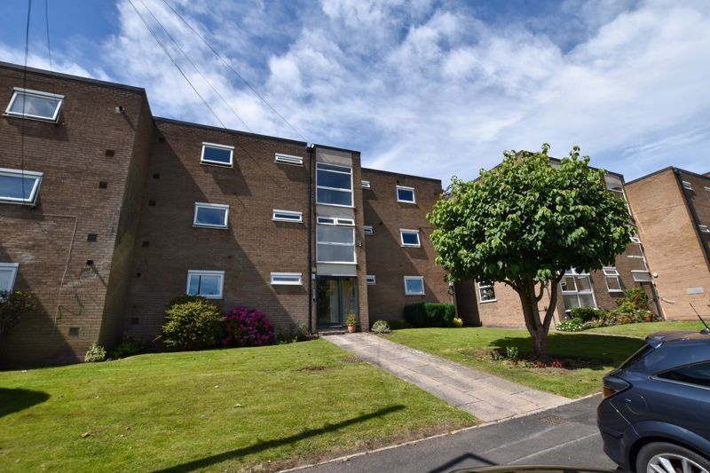 1 bed flat to rent in Leicester Close 1