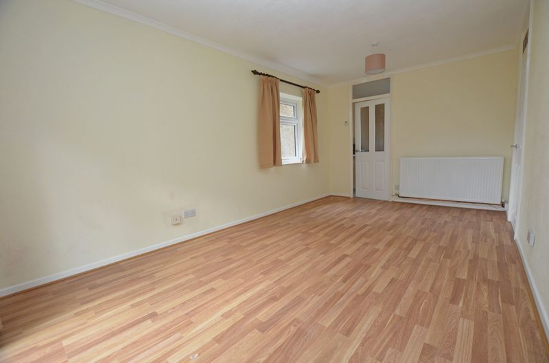 1 bed flat to rent in Leicester Close 12