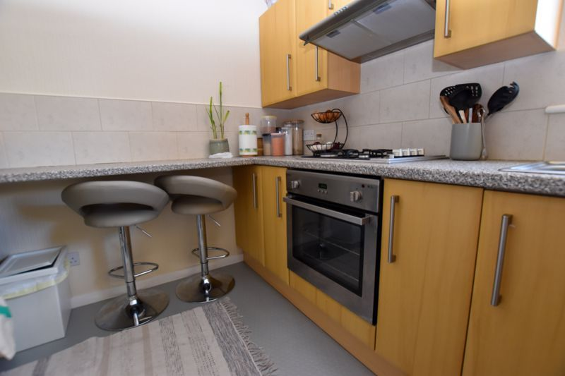 1 bed flat to rent in Leicester Close 3