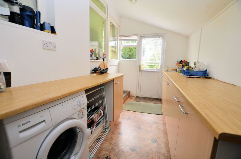3 bed house for sale in Beech Avenue  - Property Image 8