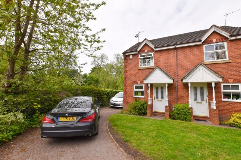 2 bed house to rent in Montague Road - Property Image 1