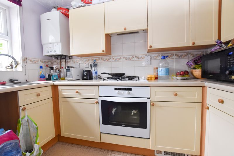 2 bed house to rent in Montague Road 3