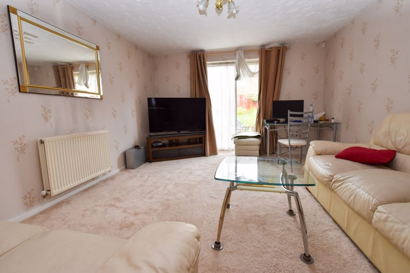 2 bed house to rent in Montague Road  - Property Image 4