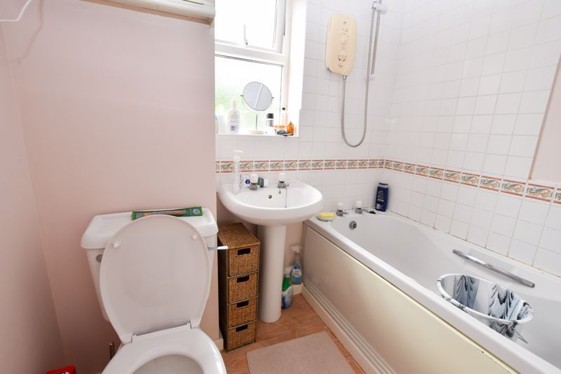 2 bed house to rent in Montague Road  - Property Image 7