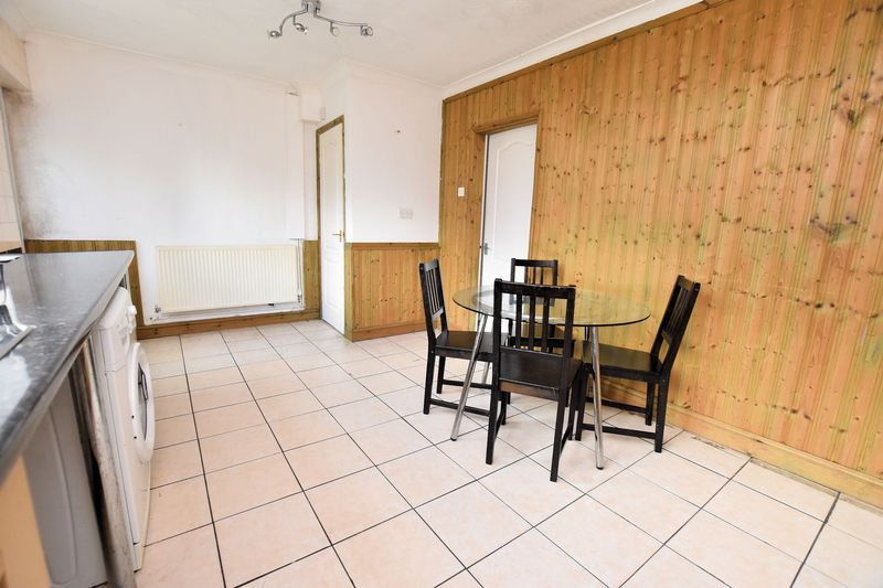 3 bed house for sale in Mavis Gardens  - Property Image 2