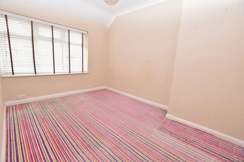 3 bed house for sale in Mavis Gardens 4