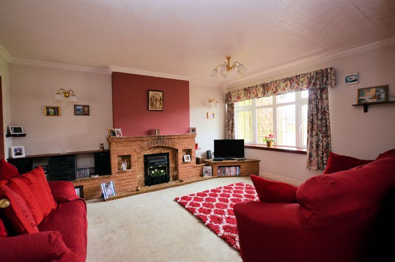 3 bed house for sale in Woodbury Road  - Property Image 2