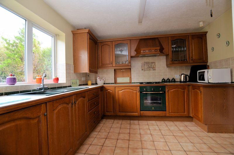 3 bed house for sale in Woodbury Road  - Property Image 3