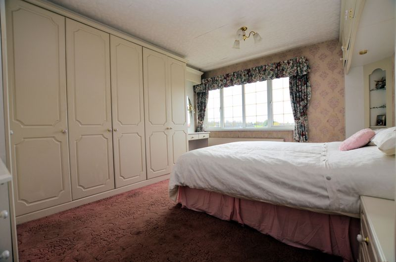 3 bed house for sale in Woodbury Road  - Property Image 5
