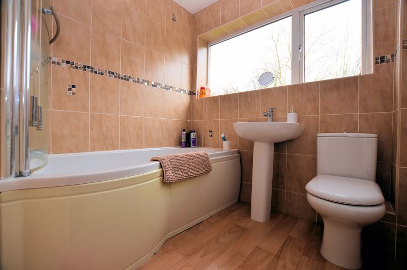 3 bed house for sale in Woodbury Road 7