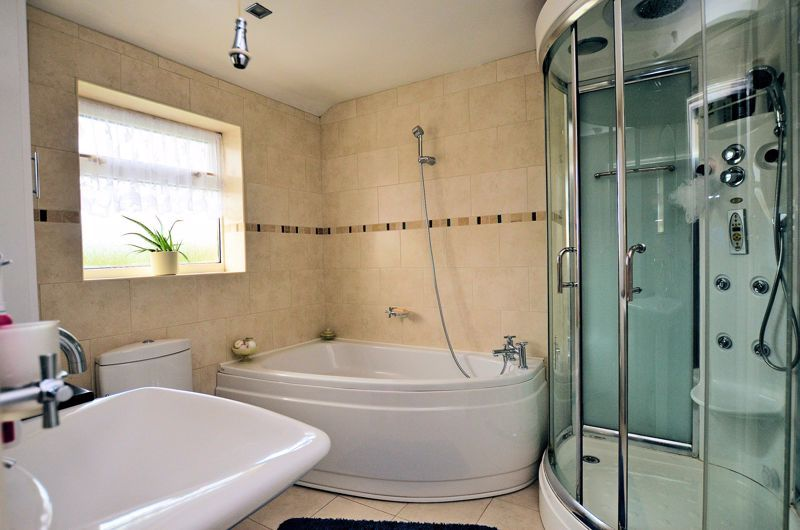 3 bed house for sale in Culmore Road 7