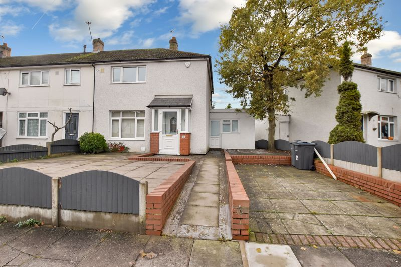 2 bed house for sale in Caynham Road 2