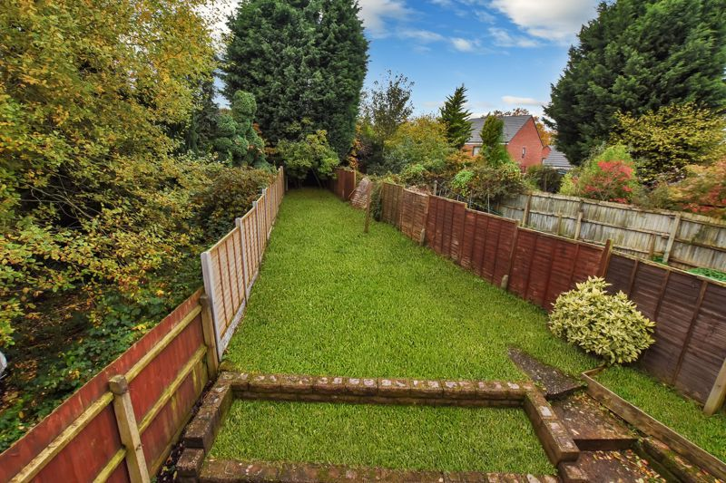 2 bed house for sale in Caynham Road 5