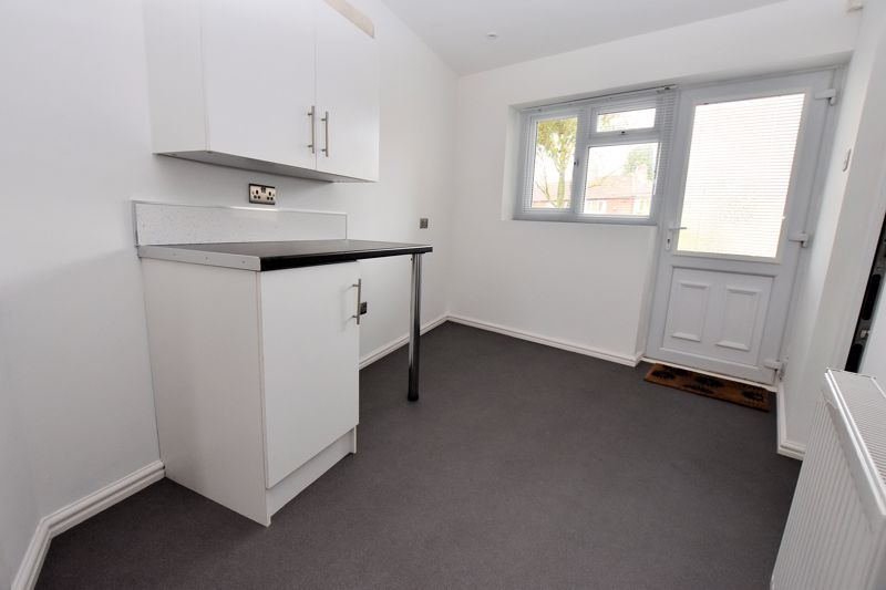 2 bed house for sale in Caynham Road 7