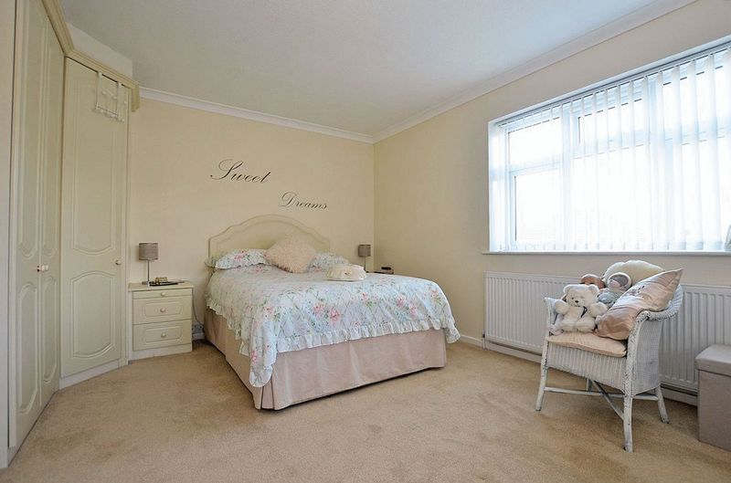 3 bed house for sale in Merrivale Road  - Property Image 7