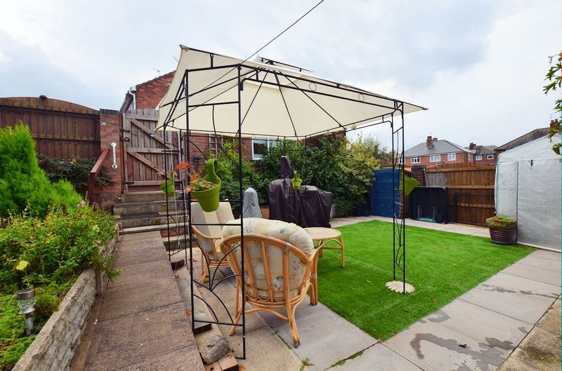 3 bed house for sale in Merrivale Road  - Property Image 8