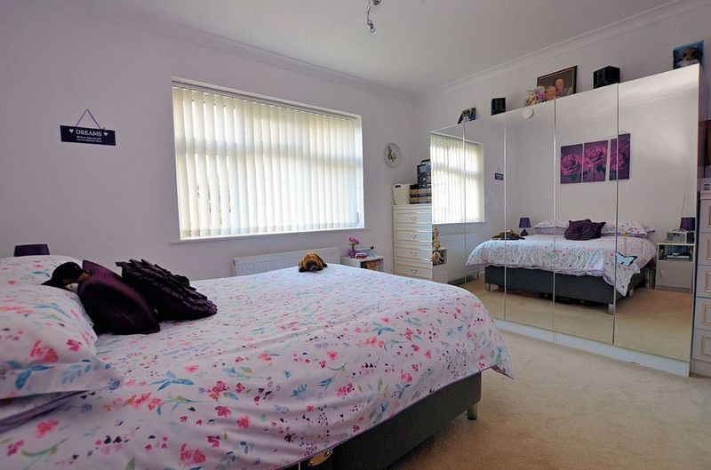 3 bed house for sale in Merrivale Road  - Property Image 9