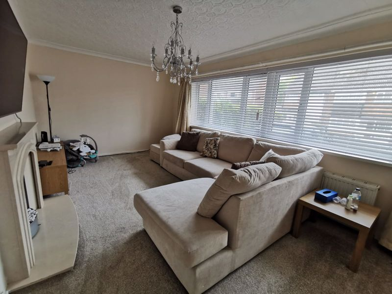 3 bed house for sale in Middlefield Avenue  - Property Image 3