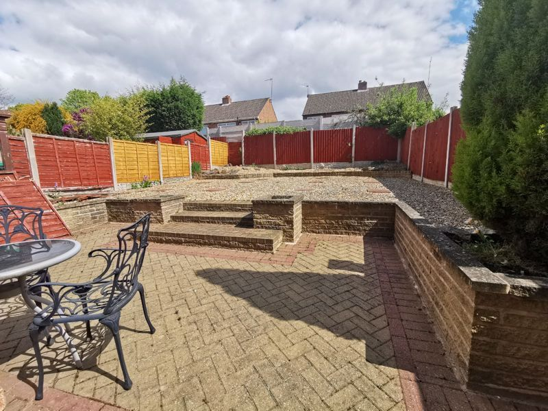 3 bed house for sale in Middlefield Avenue 4