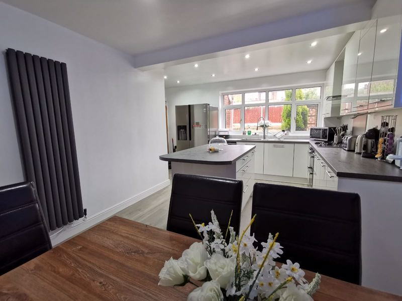 3 bed house for sale in Middlefield Avenue 6