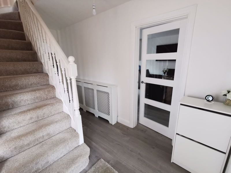 3 bed house for sale in Middlefield Avenue 8