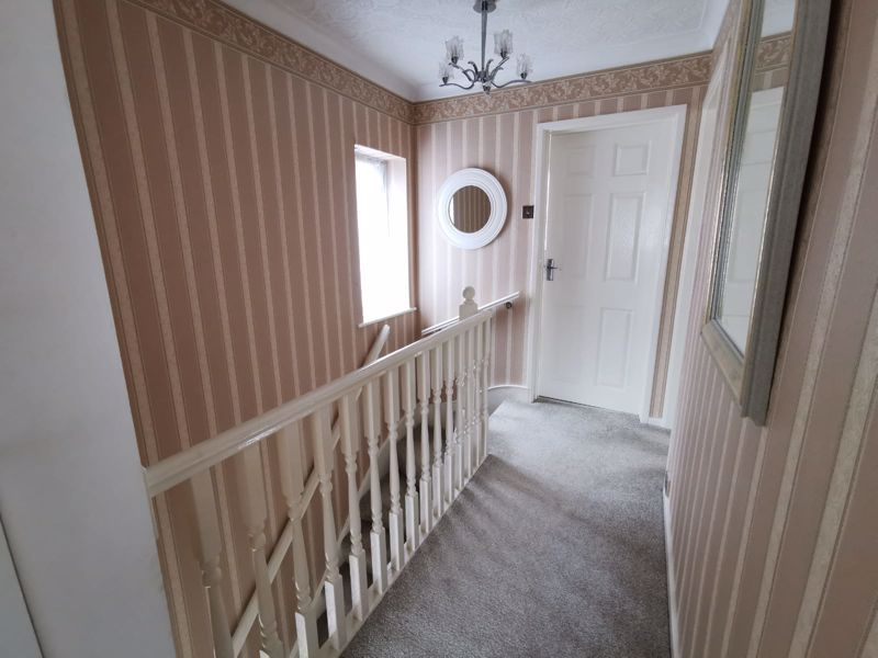 3 bed house for sale in Middlefield Avenue  - Property Image 10