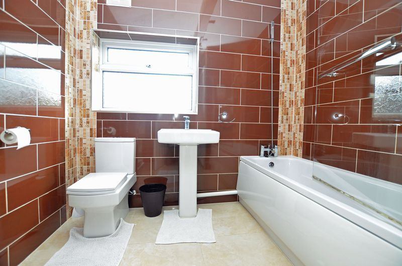 2 bed flat to rent in Stanmore Road 2