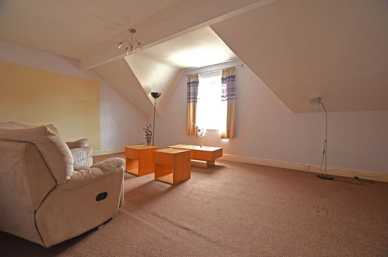 2 bed flat to rent in Stanmore Road 11