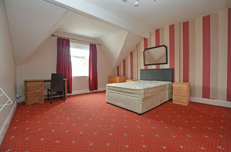 2 bed flat to rent in Stanmore Road 4