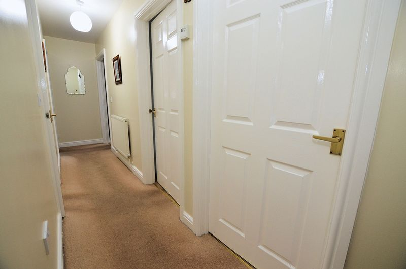 2 bed flat to rent in Apsley Road  - Property Image 8