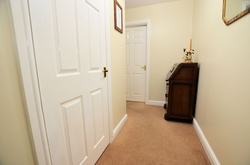 2 bed flat to rent in Apsley Road  - Property Image 9