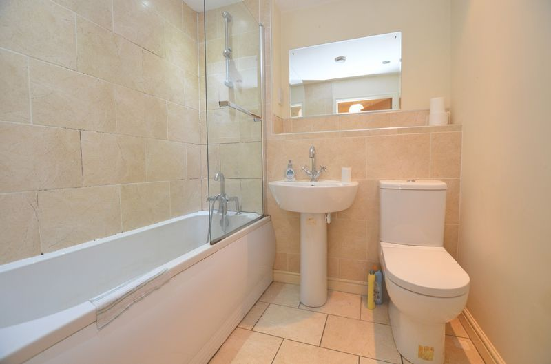 2 bed flat to rent in Union Place 5