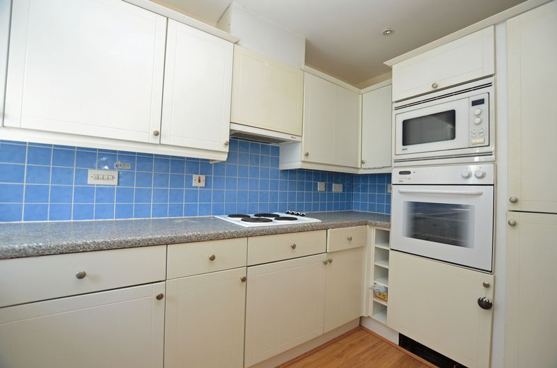 2 bed flat to rent in Union Place 7