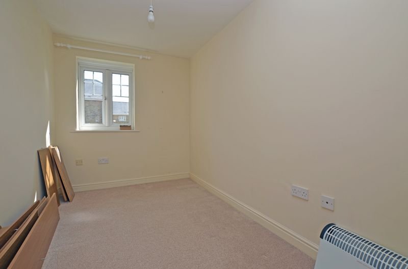 2 bed flat to rent in Union Place 8