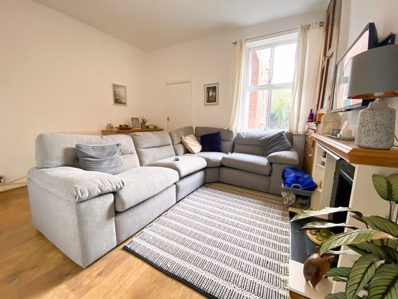 2 bed house to rent in Poplar Road 2