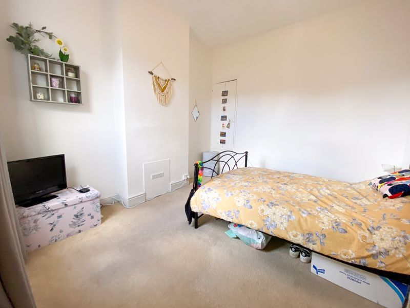 2 bed house to rent in Poplar Road 16