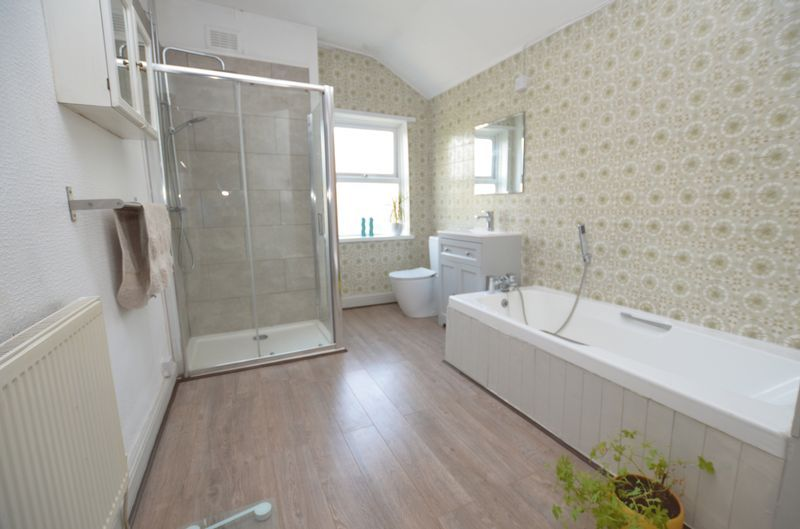 2 bed house to rent in Poplar Road 3