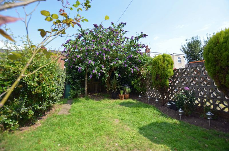 2 bed house to rent in Poplar Road 6