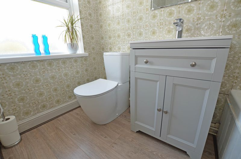 2 bed house to rent in Poplar Road 10
