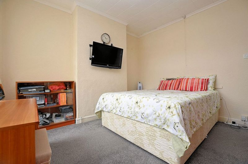 2 bed house for sale in Swindon Road  - Property Image 11