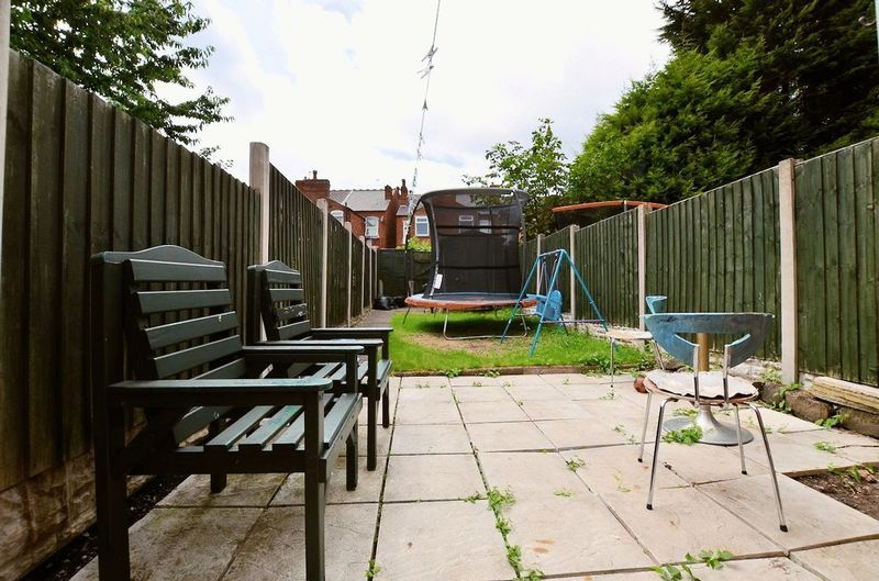 2 bed house for sale in Swindon Road 8