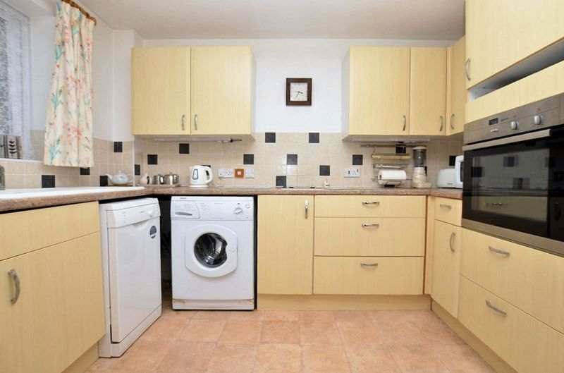 2 bed  for sale in Milton Court, Sandon Road 3