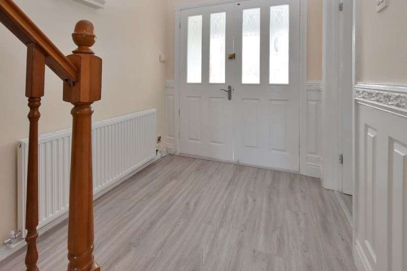 4 bed house for sale in Summerfields Avenue 11