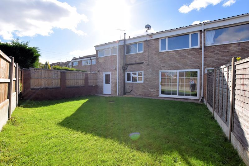 4 bed house for sale in Summerfields Avenue 19
