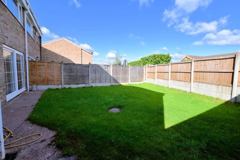 4 bed house for sale in Summerfields Avenue 4
