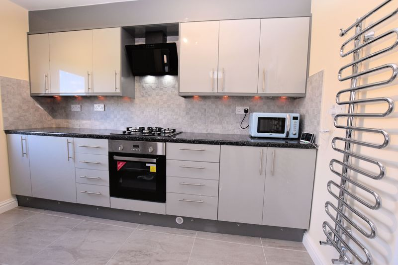 4 bed house for sale in Summerfields Avenue 6
