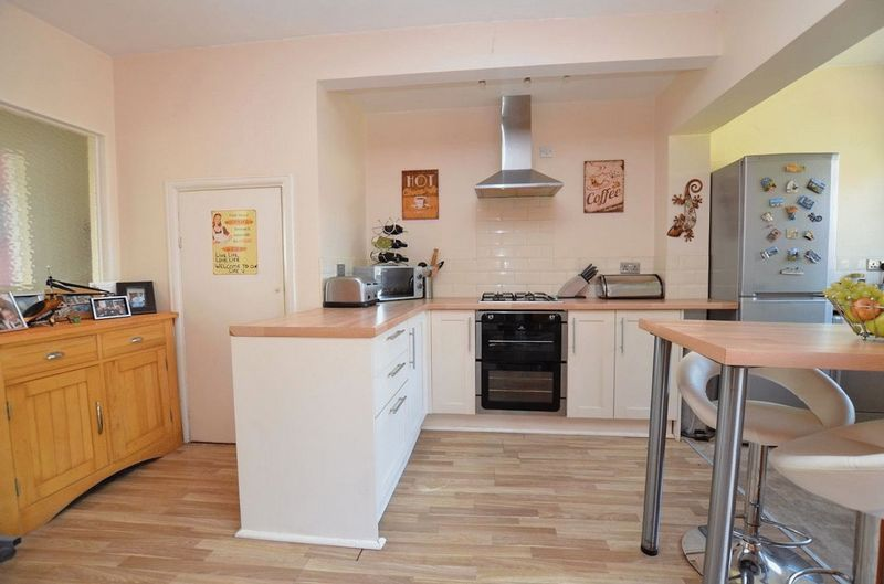 3 bed house for sale in Forest Road  - Property Image 12