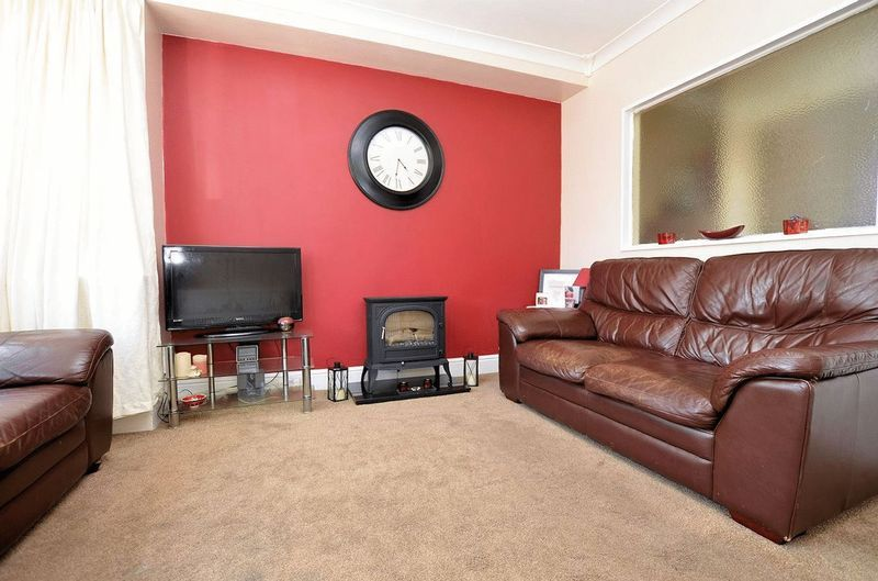 3 bed house for sale in Forest Road 13