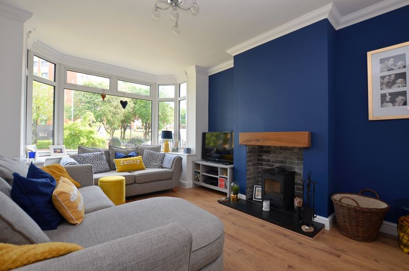 3 bed house for sale in Apsley Road  - Property Image 2