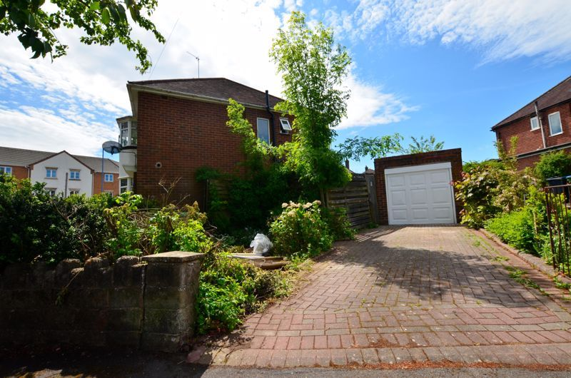 3 bed house for sale in Apsley Road 11